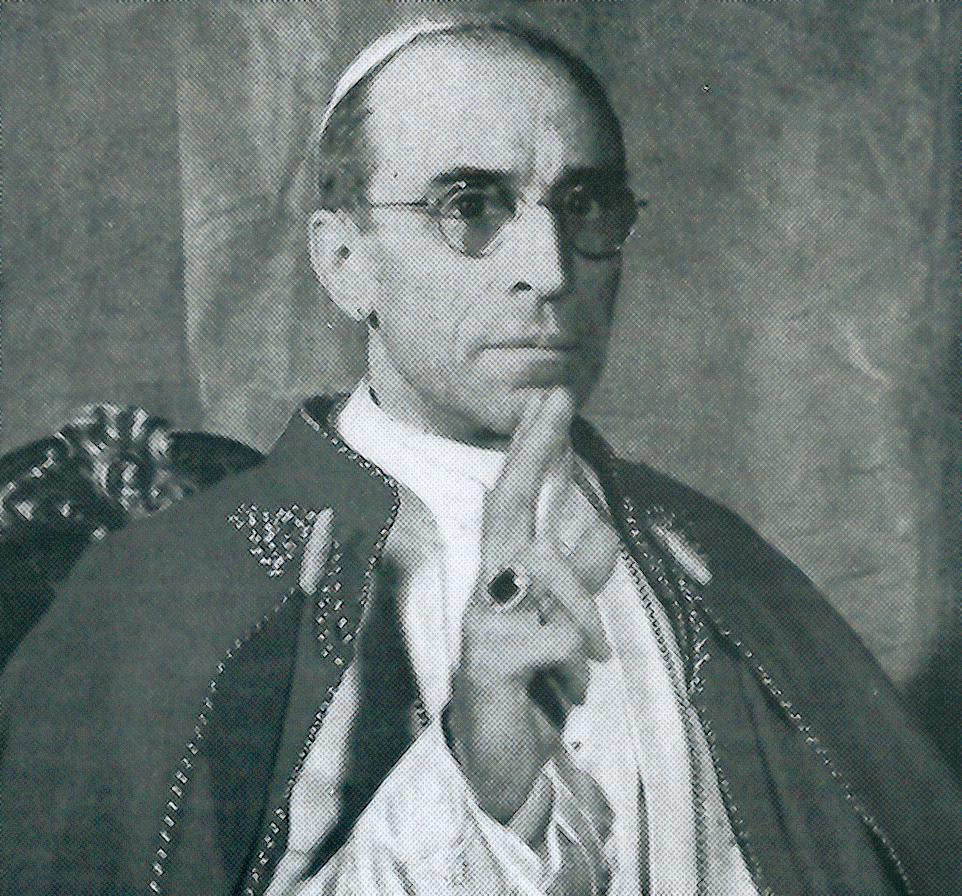 Pie XII bénissant