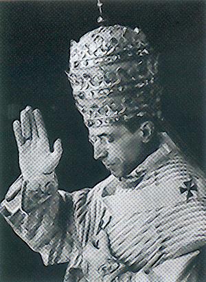 Pie XII en tiare